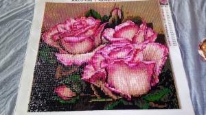"""Набор алмазной мозаики """"Розы на коричневом фоне"""""""